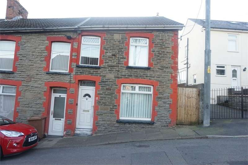 3 Bedrooms End Of Terrace House for sale in St Gwladys Avenue, Bargoed, CF81