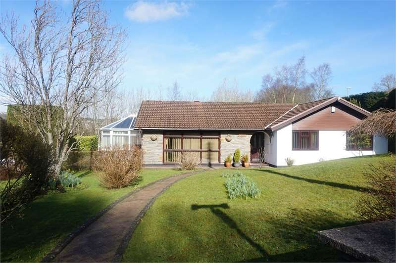 4 Bedrooms Detached Bungalow for sale in High Street, Pengam, Blackwood, NP12