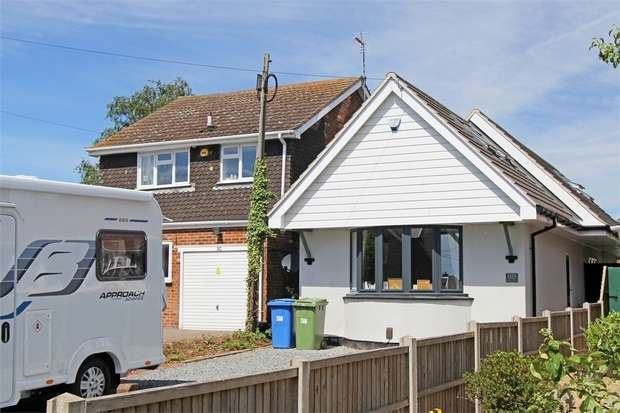 3 Bedrooms Chalet House for sale in School Lane, Iwade, Sittingbourne, Kent
