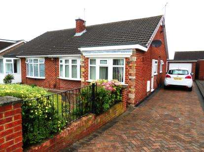 2 Bedrooms Bungalow for sale in Buckingham Drive, Middlesbrough