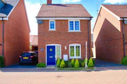 3 Bedrooms Detached House for sale in Martinique Meadows, Newton Leys, Bletchley, Milton Keynes