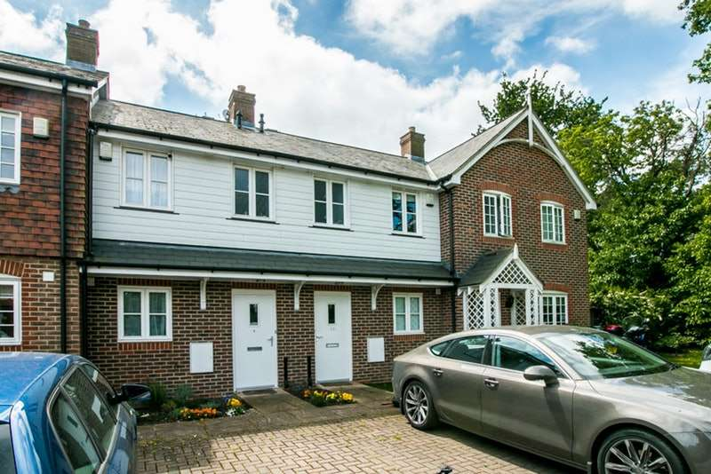 2 Bedrooms Terraced House for sale in Autumn Grove, Bromley, London, BR1