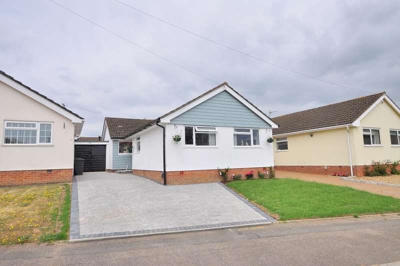 3 Bedrooms Detached Bungalow for sale in Bear Cross, Bournemouth