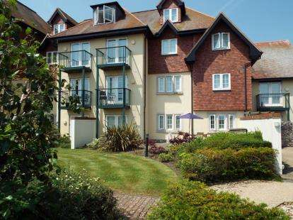 2 Bedrooms Flat for sale in West Hill Road, Lyme Regis