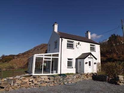 3 Bedrooms Detached House for sale in Mynydd Nefyn, Pwllheli, Gwynedd, LL53