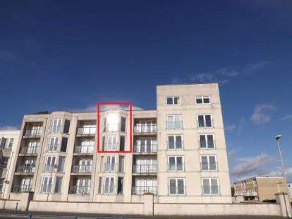 3 Bedrooms Flat for sale in West End Point, West End Parade, Pwllheli, Gwynedd, LL53