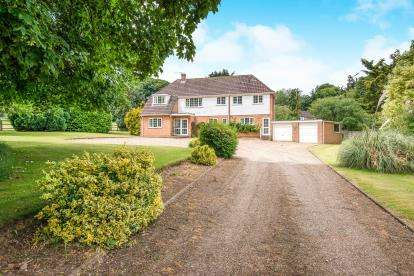 4 Bedrooms Detached House for sale in Old Costessey, Norwich, Norfolk