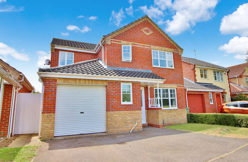 4 Bedrooms Detached House for sale in Wilks Farm Drive, Norwich