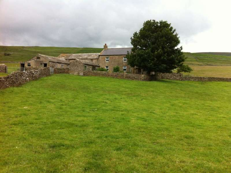 3 Bedrooms Detached House for sale in West Highfield Farm, Carlton In Coverdale, Leyburn, DL8 4AY