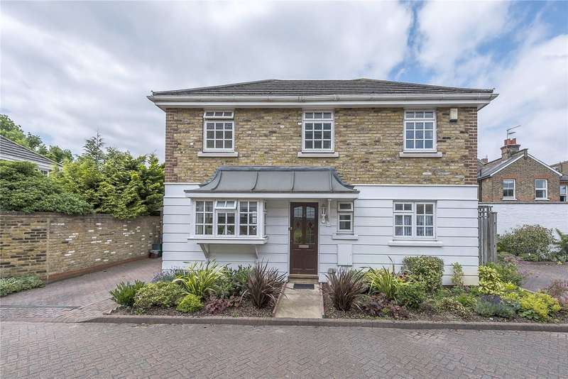 3 Bedrooms Detached House for sale in Kensington Gardens, Kingston upon Thames, KT1
