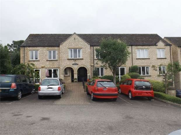 1 Bedroom Flat for sale in Station Road, Broadway, Worcestershire