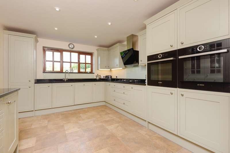 4 Bedrooms Detached House for sale in Bekesbourne Lane, Littlebourne, CT3