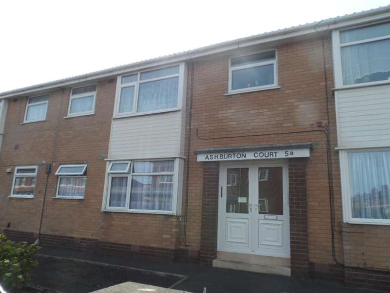 2 Bedrooms Property for sale in Flat B Ashburton Court, 5A, Blackpool, FY1 2PE