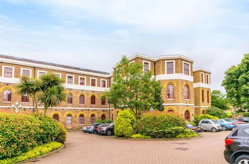 1 Bedroom Flat for sale in Osterley Views, Ealing, UB2