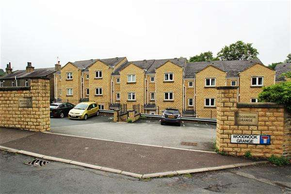 4 Bedrooms Town House for sale in Woodnook Grange, Sowerby Bridge