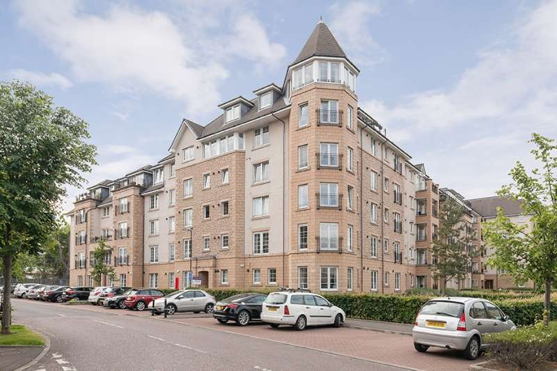 2 Bedrooms Ground Flat for sale in Powderhall Brae, Broughton, Edinburgh, EH7 4GE