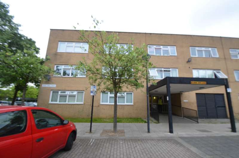 Apartment Flat for sale in Central Milton Keynes