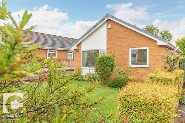 3 Bedrooms Detached Bungalow for sale in Breezehill Road, Neston, Cheshire