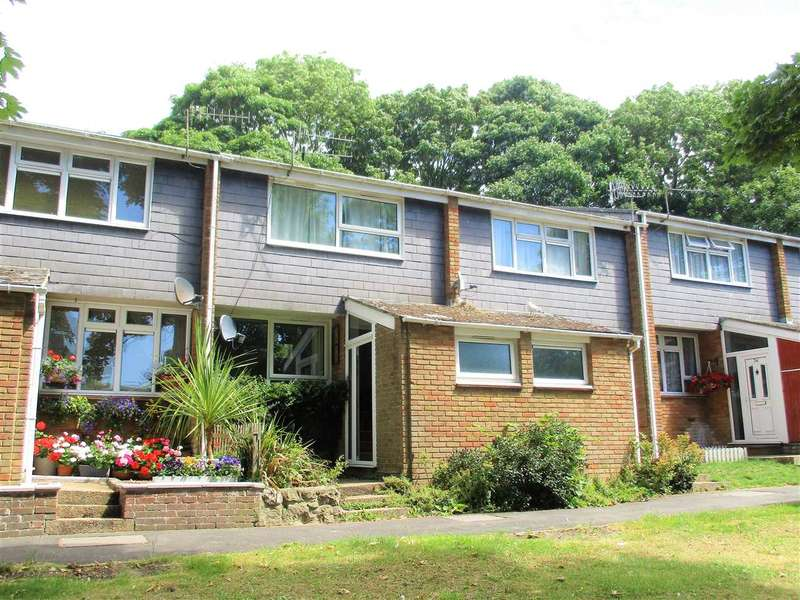 3 Bedrooms Terraced House for sale in St John Moore Avenue, Hythe