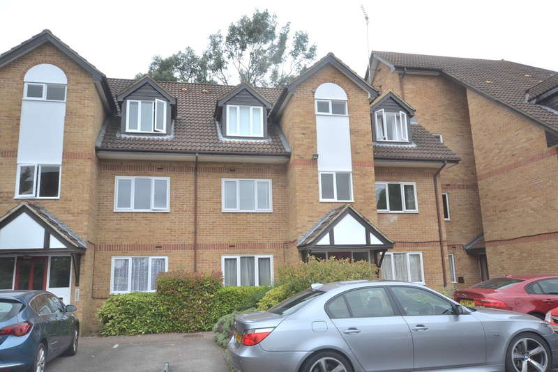 1 Bedroom Flat for sale in Rochester Court, Rochester Drive, Garston, Watford