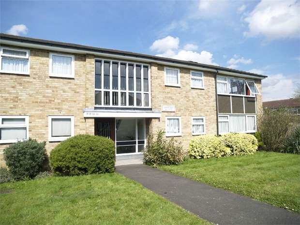 2 Bedrooms Flat for sale in Cherry Way, West Ewell