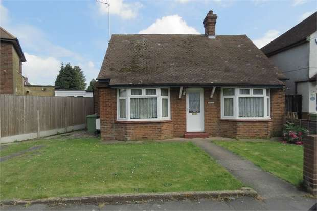2 Bedrooms Chalet House for sale in Watsons Hill, SITTINGBOURNE, Kent