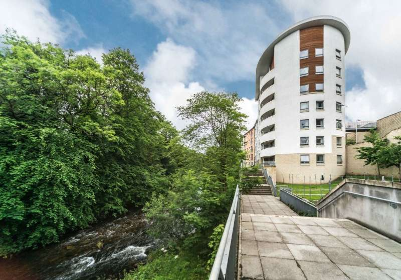 2 Bedrooms Ground Flat for sale in Laidlaw Court, Galashiels, Borders, TD1 1QN