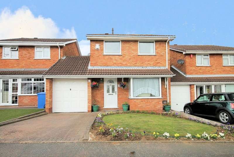 3 Bedrooms Semi Detached House for sale in Swindale, Wilnecote, Tamworth, B77 4LD