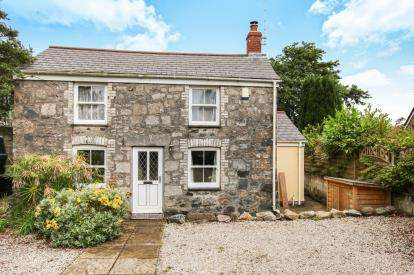 3 Bedrooms Detached House for sale in Trewoon, St. Austell, Cornwall