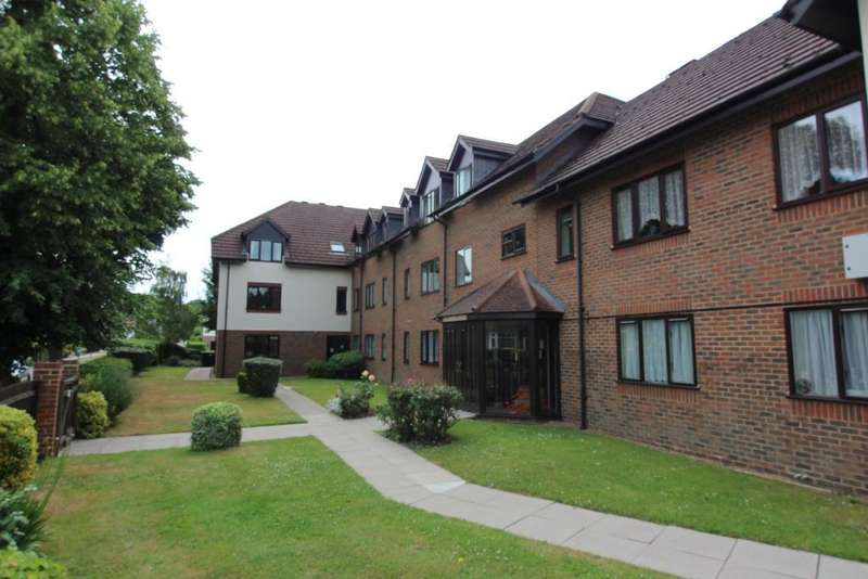 2 Bedrooms Flat for sale in Sycamore Lodge, 34 Sevenoaks Road, Orpington, Kent, BR6 9JL