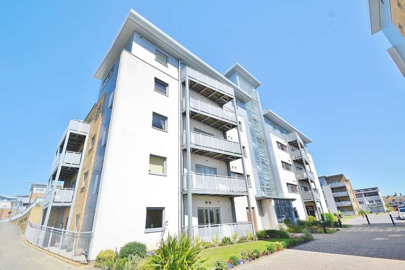 2 Bedrooms Flat for sale in Hamworthy