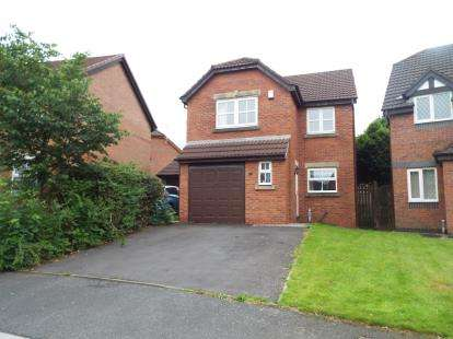 4 Bedrooms Detached House for sale in Camellia Drive, Leyland, PR25