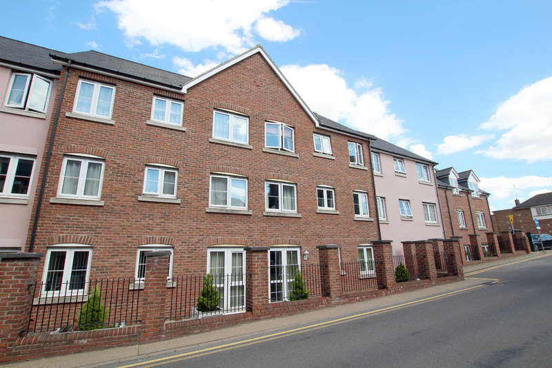 2 Bedrooms Flat for sale in Kennedy court, Fish hill, Royston