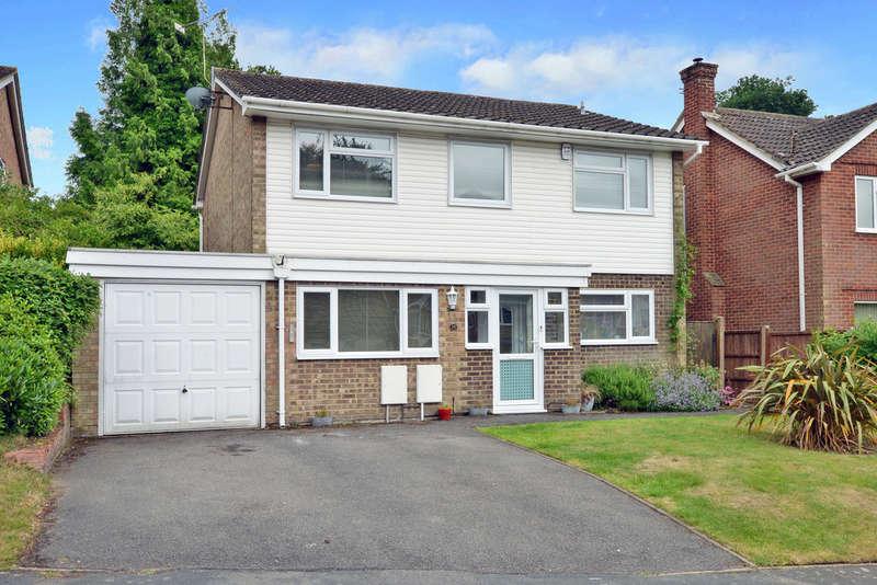 4 Bedrooms Detached House for rent in Camberley, Surrey