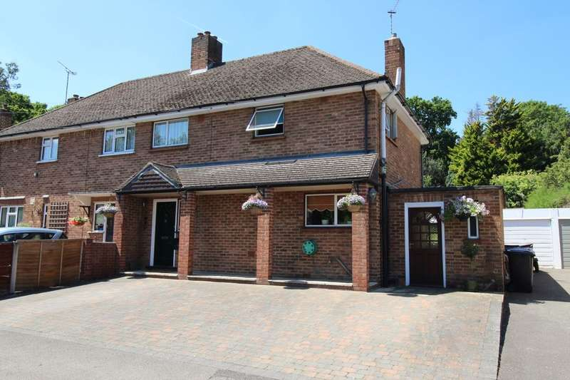 3 Bedrooms Semi Detached House for sale in Spring Rise, Egham, TW20