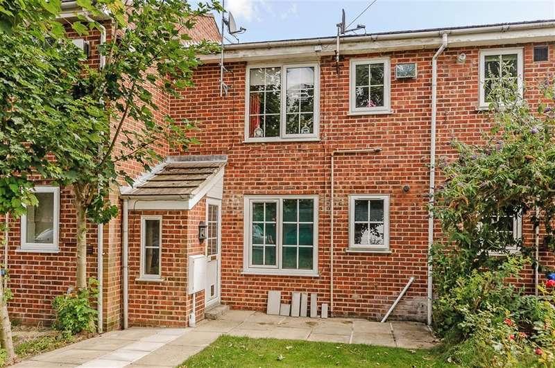 1 Bedroom Flat for sale in Kilnwick Close, Pocklington, York, YO42 2PR