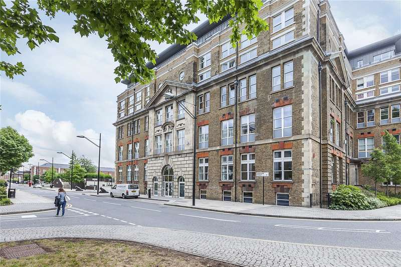 2 Bedrooms Flat for sale in Building 22, Cadogan Road, London, SE18