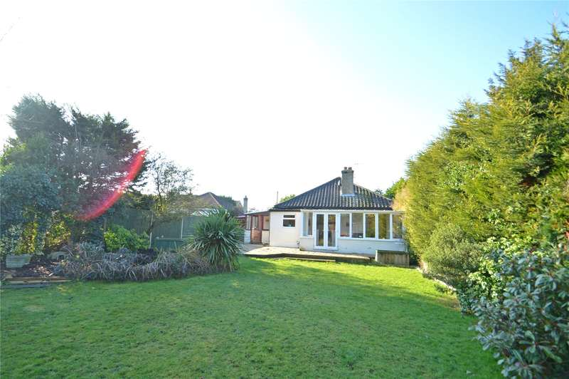 2 Bedrooms Detached Bungalow for sale in Gladeside, Croydon