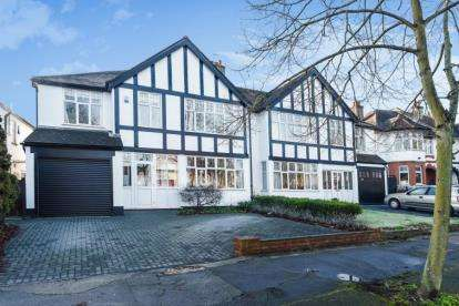5 Bedrooms House for sale in Park Avenue, Bromley