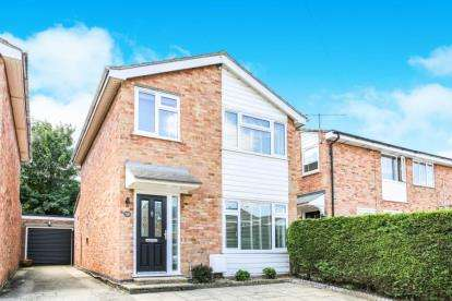 3 Bedrooms Detached House for sale in Kings Down, Hitchin, Hertfordshire, England
