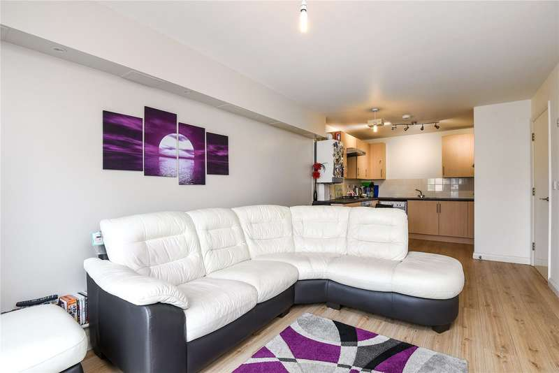 2 Bedrooms Apartment Flat for sale in Royal Court, Queen Marys Avenue, Watford, WD18
