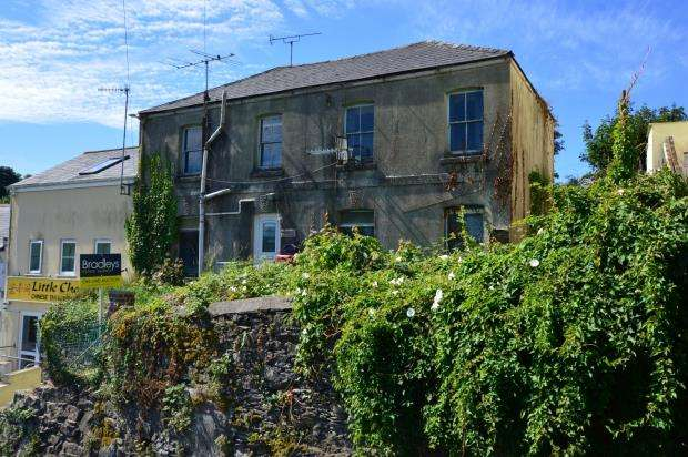 2 Bedrooms End Of Terrace House for sale in Mount Pleasant, Honicknowle, Plymouth, Devon