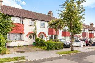 3 Bedrooms Terraced House for sale in Hillcote Avenue, London