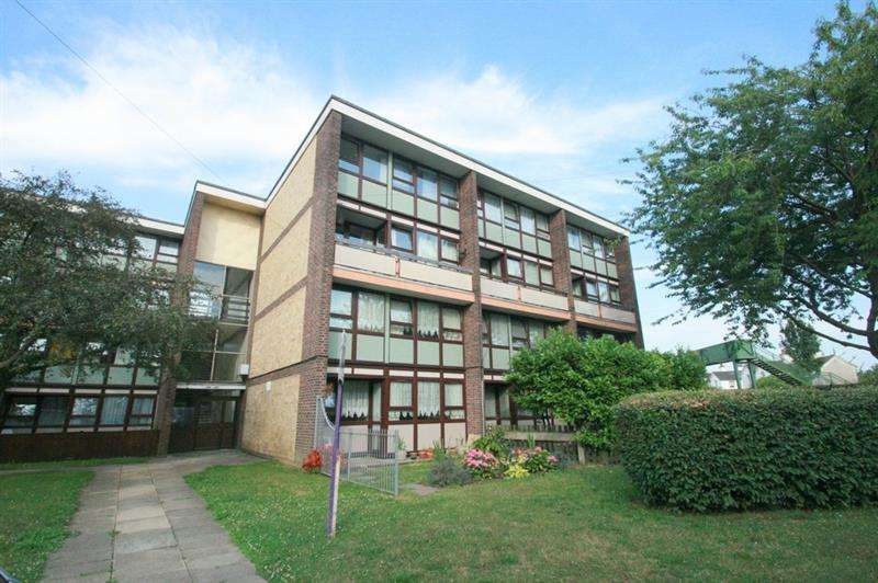 3 Bedrooms Maisonette Flat for sale in Hawthorn Crescent, Portsmouth