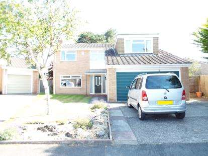 Detached House for sale in Edenhurst Close, Formby, Liverpool, Merseyside, L37