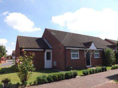 2 Bedrooms Bungalow for sale in Wymondham, Norfolk