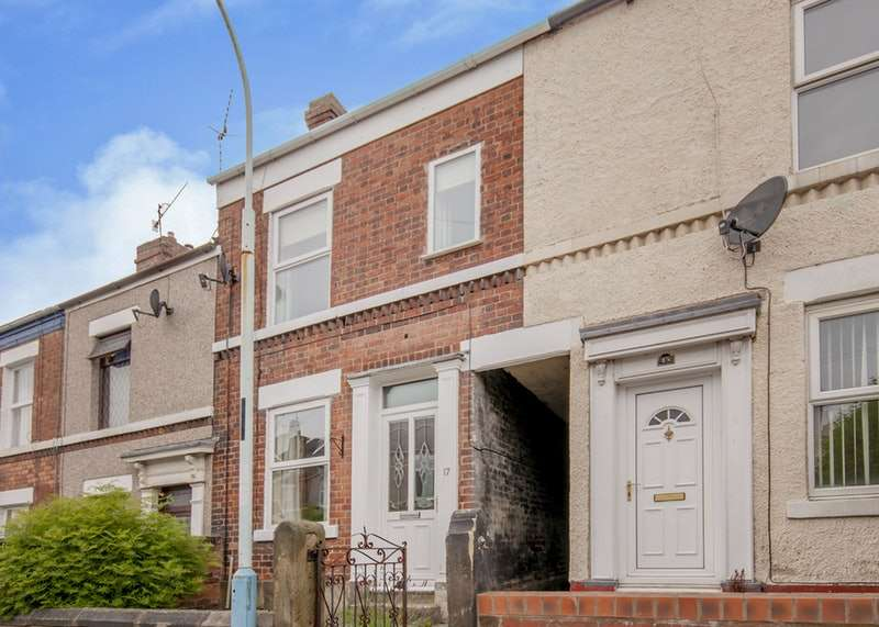 3 Bedrooms Terraced House for sale in St. Thomas Street, Chesterfield, Derbyshire, S40