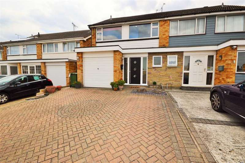 4 Bedrooms Semi Detached House for sale in Belmont Close, Wickford