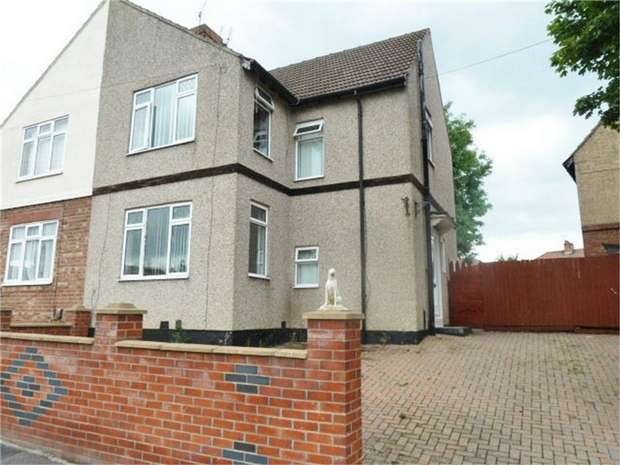 3 Bedrooms Semi Detached House for sale in Berrybank Crest, Darlington, Durham