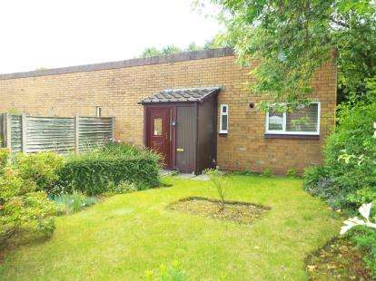 3 Bedrooms Bungalow for sale in Fern Close, Birchwood, Warrington, Cheshire